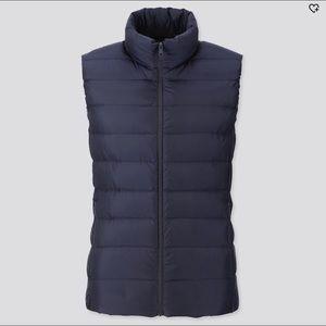 UNIQLO women puffer vest